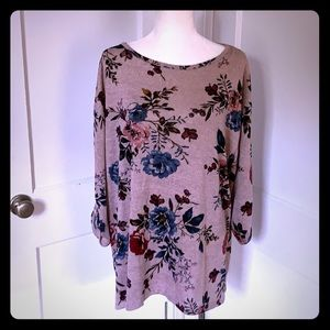 EUC Lane Bryant knit floral top